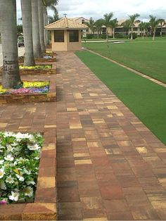 Stonehurst is the paver of choice for projects requiring a vintage, natural slate texture. Slate Walkway, Paver Walkway, Brick Pavers, Landscaping Supplies, Backyard Landscaping, Hardscape Design, Tampa Florida, Pathways, Outdoor Living