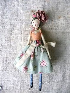 liberty doll~CHRISTMAS IS JUST AROUND THE CORNER YA KNOW~~~~~~and you make dolls almost as cute as this woman