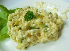 Pravé italské risotto s cuketou a parmezánem Risotto, Couscous, Raw Vegan, Bon Appetit, Food And Drink, Eat, Ethnic Recipes, Petra, Rice