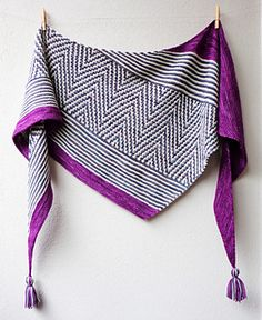 Doo Wop €4.20, in sport weight! Love the zig zag mosaic in monochrome with bright color border ❤