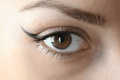 An eyeliner and eye wing stamp all in one tool.