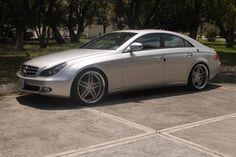 Mercedes Benz CLS Año: 2007 Versión: 350 Precio: $355,000.00 Color: Plata Color Interior: Negro Vestiduras: Piel Transmisión: Automática No. Cilindros: 6 Potencia: 272HP Km/millas: 84,000 #MercedesBenz #CLS #AMG