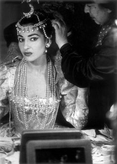 Maria Callas in backstage of Ifigenia in Tauride by Christoph Willibald von Gluck, Teatro alla Scala, 1957. Photo by Willy Rizzo