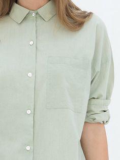 Groene blouse van Miss Green  #capsule #wardrobe #capsulewardrobe #nukuhiva #duurzaam #fairfashion #amsterdam #utrecht