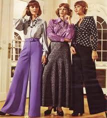 1970 fashion - digging those purple flares ! Moda Fashion, 70s Fashion, Fashion History, Vintage Fashion, Womens Fashion, Fashion Trends, British Fashion, Seventies Fashion, Fashion Images