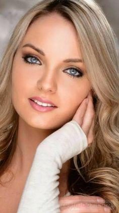 Image Beauty Face II Beachbikini's in Beauty Face II - Beachbikini's album Brunette Girls, Pretty Blonde Girls, Blond Girls, Pretty Girls, Most Beautiful Faces, Gorgeous Eyes, Gorgeous Women, Girl Face, Woman Face