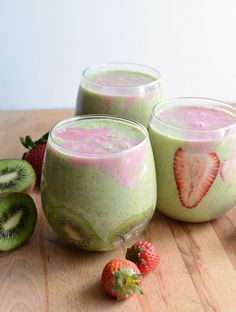Beautiful and delicious healthy smoothie!- Beautiful and delicious healthy smoothie! Healthy Strawberry Kiwi Smoothie made with spinach and Greek yogurt is dairy free,added sugar free and is a quick and easy breakfast or snack. Smoothies Kiwi, Strawberry Kiwi Smoothie, Smoothie Drinks, Healthy Smoothies, Healthy Drinks, Healthy Snacks, Healthy Recipes, Juice Smoothie, Strawberry Spinach