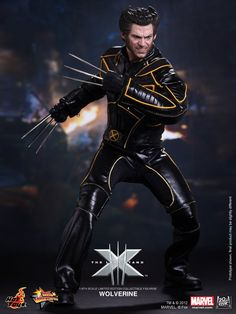 WOLVERINE Hot Toys Collectible Action Figure