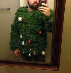 Estas navidades disfrázate de árbol de navidad.