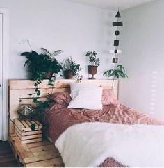 7 Ideal Cool Tips: Minimalist Bedroom Teen Pillows minimalist bedroom small drawers.Minimalist Bedroom Decor Blue minimalist home tour couch.Minimalist Interior Home Inspiration. Dream Rooms, Dream Bedroom, Home Bedroom, Modern Bedroom, Master Bedroom, Bedroom Interiors, Teen Bedroom, Bedroom Sets, Teenage Bedrooms