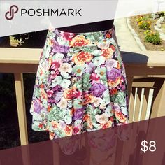 NWOT! Flowy Floral Skirt Super cute and very girly! NWOT! Size Small. Forever 21 Skirts Mini