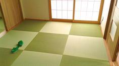 畳は光の指す方向で表情が変わります! 綺麗な市松模様になっていてお洒落な和室です ...