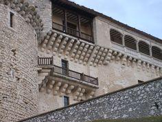 1280px-Balcones_en_el_castillo_de_Cuéllar.JPG (1280×960)