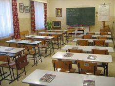 Unser DDR Klassenzimmer.  Our DDR school room.    In diesem original nachgebildeten Klassenraum findet die Schulstunde Heimatkunde Klasse 3 in Form eines Rollenspieles statt.  Melden Sie sich bitte, wenn Sie daran interessiert sind:  http://www.schulmuseum-leipzig.de/html/heimatkundestunde.html
