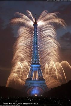 Fireworks at the Eiffel Tower, Paris, Bastille, July 14 in Paris!