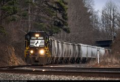 RailPictures.Net Photo: NS 5058 Norfolk Southern EMD GP38-2 at Lula, Georgia by Jordan Hood