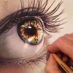 Eye Sketch. I can't even describe how amazing this is!!!!