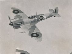 Privately run, unofficial website on the South African Air Force. All suggestions are welcome - Dean Wingrin Air Force Aircraft, Ww2 Aircraft, South African Air Force, Supermarine Spitfire, Royal Air Force, Wwii, Egypt, Fighter Jets, Aviation