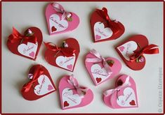 Christmas Crafts For Toddlers, Toddler Christmas, Gifts For Kids, Valentines Photo Booth, Diy Valentines Cards, Heart Shapes Template, Pop Up Flower Cards, Felt Flower Bouquet, Pop Up Greeting Cards