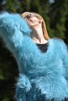 COMMANDE tricoté à la main mohair haussement d'épaules par Dukyana