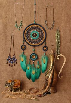 Creative Dream Catcher Ideas to Try Los Dreamcatchers, Boho Dreamcatcher, Dreamcatcher Tutorial, Diy And Crafts, Arts And Crafts, Dream Catcher Boho, Dream Catchers, Creation Deco, Dream Decor