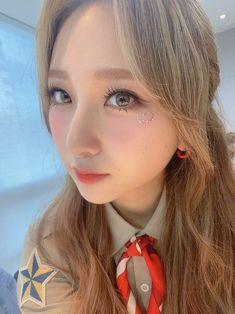 Pink Punch, Woollim Entertainment, Beautiful Asian Girls, Mini Albums, Photo Wall, Kpop, Girl Group, Twitter, Artists