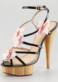 http://buyerselect.com/blog/category/buyerselect-fasion/womens-fashion/shoes/designer-shoes/