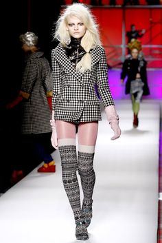 Jean Paul Gaultier Fall 2010 RTW - Runway Photos - Fashion Week - Runway, Fashion Shows and Collections - Vogue Fast Fashion, High Fashion, Fashion Show, Fashion Design, Fashion Tips, Fashion Socks, Fashion Pants, Jean Paul Gaultier, Thigh High Leg Warmers