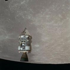 apollo-15, photographié depuis le module lunaire lors de la séparation ou de la remontée.