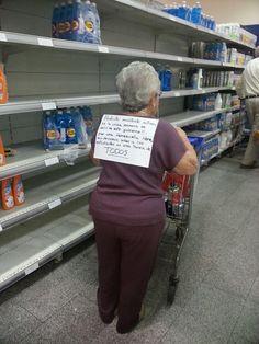 #Venezuela Abuela de 88 años y su forma de protestar contra el gobierno...cada quien a su manera y posibilidad pic.twitter.com/s4ZTHAisU2