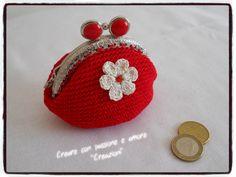 Portamonete clic clac ad uncinetto by www.facebook.com/... #lemaddine #purse #crochet #handmade Facebook Sign Up, Needlework, Coin Purse, Wallet, Crochet, Handmade, Weaving, Crocheting, Dots