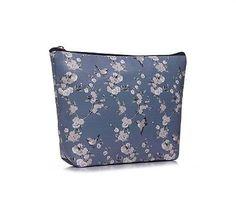 PRETTY VINTAGE STYLE BLUE FLORAL &  BIRD PRINT GIRLS LADIES LARGE MAKE UP BAG  £6.95