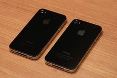 Left: Verizon  Right: AT    Verizon iPhone doesn't have SIM card slot and FCC logo and have antenna slits on different locations.     I must admit, I'm actually an apple fanatic. I found this place where I got to test and keep an ipad and iphone, it's cool, check it out...