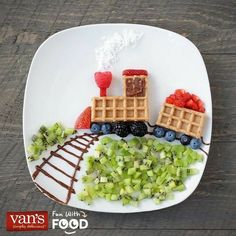 Fun breakfast plate for kids - waffle train with fruit and chocolate sauce. Fun breakfast plate for kids - waffle train with fruit and chocolate sauce. Breakfast Plate, Breakfast For Kids, Best Breakfast, Breakfast Ideas, Birthday Breakfast, Back To School Breakfast, Breakfast Fruit, Food Art For Kids, Children Food
