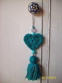 Monederitos vintage Colgantes de corazones (con y sin relleno) Macetitas abrigadas . Knitting For BeginnersKnitting For KidsCrochet Hair StylesCrochet Baby Slip Stitch Crochet, Love Crochet, Crochet Gifts, Irish Crochet, Vintage Crochet, Diy Crochet, Crochet Keychain, Crochet Bookmarks, Crochet Bracelet