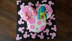 Lollos and minniemouse cake Ice Tray, Cakes, Desserts, Food, Tailgate Desserts, Deserts, Food Cakes, Eten, Postres