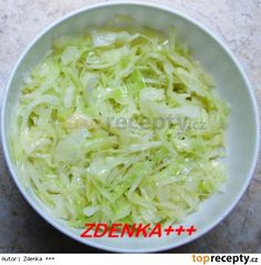 Zelí spařím a to tak, že si v konvici svařím litr vody a zaliju s ní zelí… Czech Recipes, Raw Food Recipes, Salad Recipes, Vegetarian Recipes, Cooking Recipes, Healthy Recipes, Ethnic Recipes, Greek Yogurt Chicken Salad, Good Food