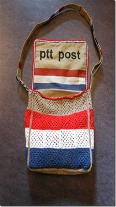 Postman messenger bag made from burlap and crochet = wonderful!