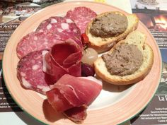 Typical #Tuscan #appetizer croutons with chicken liver, ham, finocchiona and soppressa