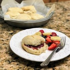 Dairy-Free Biscuits Garlic Cheese Biscuits, Sour Cream Biscuits, Sweet Potato Biscuits, Savoury Biscuits, Buttery Biscuits, Homemade Biscuits Recipe, Biscuit Recipe, Dairy Free Biscuits, Easy Drop Biscuits