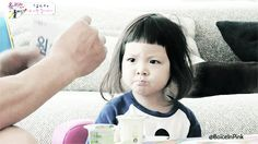 boiceinpink:  Chu Sarang studying Korean with grandpa on Ep 26 - 슈퍼맨이 돌아왔다
