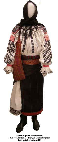 Costum traditional romanesc din Hodosa jud Harghita Folk Costume, Costumes, Folk Embroidery, Embroidery Patterns, Traditional Outfits, Fascinator, Textiles, Popular, Clothes
