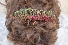 Flowers in Your Hair: Floral crown tutorial for wedding day hair. >> http://www.hgtvgardens.com/weddings/diy-wedding-floral-hair-accessories?s=13&?soc=pinterest