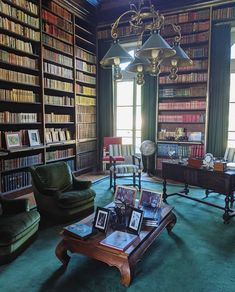 Personal Library, Luxury Decor, Elle Decor, Attic, Photo And Video, Interior Design, House Styles, Room, Green Chairs