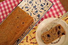 Na cozinha: bolo de banana, aveia e cranberries