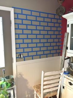 Faux Brick Wall Tutorial – Two Paws Farmhouse Fake Brick Wall, Painted Brick Walls, Faux Walls, Brick Accent Walls, Faux Brick Backsplash, Design Loft, Wall Design, Kitchen Paint, Room Paint