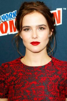 Zoey Deutch--hair and make up