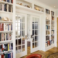 Cozy and stunning home library. Love how the shelves are built around the pocket french doors. although we're eating towards standard french doors. Glass Bookcase, Home Library Design, Library Ideas, Home Library Decor, Loft Design, Design Case, Design Design, Design Elements, Home Libraries