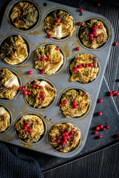Nopeat kaalikääryleet Something Sweet, Sweet And Salty, Palak Paneer, Deli, Muffin, Food And Drink, Baking, Breakfast, Ethnic Recipes