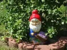 Flower gardener Gnome